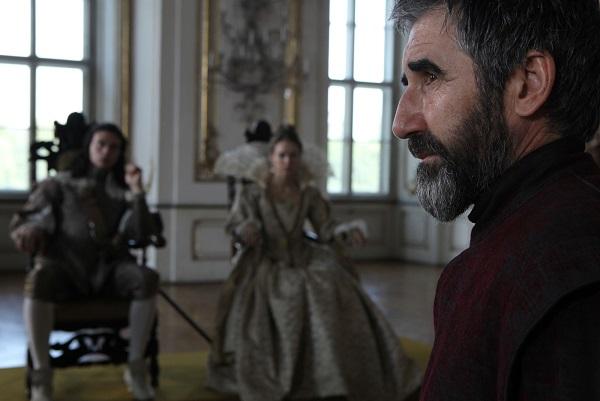 King Louis (RYAN GAGE), Queen Anne (ALEXANDRA DOWLING), Luca Sestini (JOHN LYNCH) - Image Credit: BBC. Photographer: Dusan Martincek
